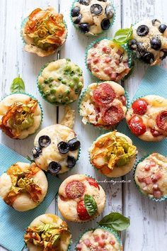 Savory muffins: A quick basic recipe for a thousand different Muffin salati: Ricetta veloce base per mille gusti diversi Savory muffins single dough thousand different tastes) – Savory muffin recipe - Finger Food Appetizers, Christmas Appetizers, Healthy Appetizers, Appetizer Recipes, Healthy Snacks, Potato Appetizers, Delicious Appetizers, Party Appetizers, Eat Healthy