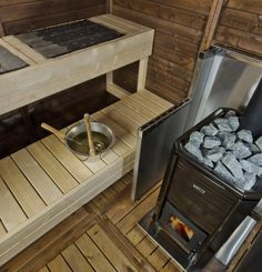 The beautiful Kota Garden Sauna is a Finnish made and designed Sauna cabin that bears the Finnish Key Flag symbol. The Sauna Cabin is built from an oiled Finnis