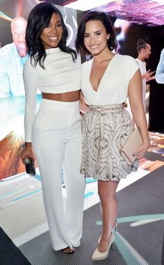 Gabrielle Union & Demi Lovato from The Big Picture: Today's Hot Pics  The adorable duo pair up during the Samsung Galaxy S6 edge+ and Galaxy Note5 Launch Event.