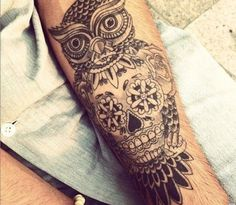 Day of the Dead owl and skull