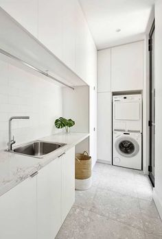 34 ideas for bath room design small white laundry rooms Modern Tile Designs, Minimalism Interior, Room Design, Laundry Mud Room, Home, Pantry Laundry, Laundry, Modern Tiles, Modern Laundry Rooms