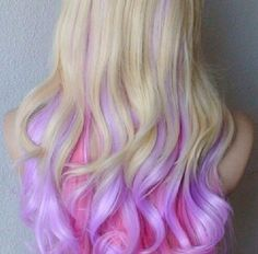 Pink, blond and lavender curls. personally I'd never dye my hair but this is so pretty Purple Hair, Ombre Hair, Pink Purple, Pastel Purple, Pastel Colors, Colours, Light Purple, Dyed Hair Pastel, Dark Teal