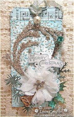 This satisfies my Christmas card and turquoise love affair