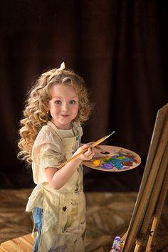 Children painting on canvas beautiful 32 ideas Drawing For Kids, Painting For Kids, Children Painting, Artists For Kids, Art For Kids, Artistic Photography, Portrait Photography, Artist Aesthetic, Beautiful Children