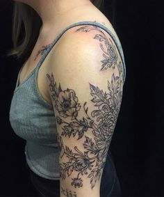 Some chrysanthemum and poppies yesterday on the lovely miss V @creaturebot