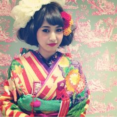 『和装のヘアセット♪』 Graduation Hairstyles, Wedding Hairstyles, Ethnic Fashion, Kimono Fashion, Cherry Blossom Girl, Modern Kimono, Wedding Kimono, Japanese Wedding, Hair Arrange