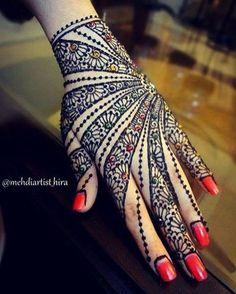 32 Stunning Back Hand Henna Designs to Captivate Mehndi Lovers