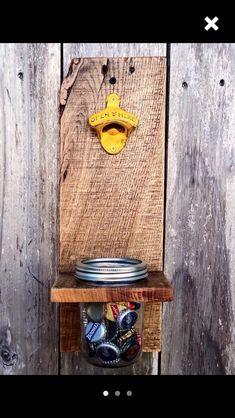 Pallet + Mason Jar Bottle Opener - 15 Top Pallet Projects You can Build at Home 101 Pallet Ideas Pallet Crafts, Pallet Art, Diy Pallet Projects, Wood Crafts, Woodworking Projects, Teds Woodworking, Pallet Wood, Pallet Ideas Easy, Wood Ideas