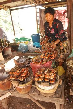 Street food in Cambodia - Explore the World with Travel Nerd Nici, one Country at a Time. http://TravelNerdNici.com