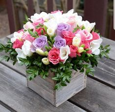 Floral gift box - roses, freesias and greens. Spring Flower Arrangements, Beautiful Flower Arrangements, Flower Centerpieces, Spring Flowers, Flower Decorations, Floral Arrangements, Beautiful Flowers, Decoration Plante, Deco Floral