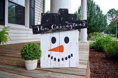 Pallet snowman. snowman decor, rustic, rustic snowman, Christmas decor, winter decor, winter, snowman, pallet sign, signs, wooden, decor. by PixieDustLouisville on Etsy https://www.etsy.com/listing/247772073/pallet-snowman-snowman-decor-rustic