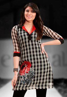 latest cotton kurti designs for stitching Kurta Patterns, Dress Patterns, Dress Neck Designs, Blouse Designs, Caftan Gallery, Kurta Neck Design, Salwar Designs, Mode Hijab, Indian Designer Wear