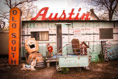 Roadhouse Relics Neon Art in Austin, Texas - Melanie Biehle | Editorial and Commercial Content Creator