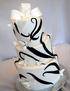 I LOVE this cake.  so unusual