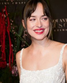 She has the cutest smiles in this entire world! When I look at her smile I can't stop smiling. ❤️ #Dakotajohnson at Fifty Shades Premiere in Paris. The day I will never forget. Cr. IG modelsdakota