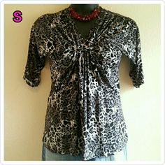 ISABELLA RODRIGUEZ Top - Grey / Black / White Excellent condition! True to size - Small - and I also believe it can possibly fit a Medium, so if interested I will provide measurements for you. This price is not firm. Feel free to make a reasonable offer! Or use Poshmark's new bundle option to bundle this item with at least two more items for 15% off entire order! Sorry loves, but no trades. Isabella Rodriguez Tops