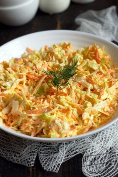 Jedna z lepszych surówek do obiadu, jakie ostatnio jadłam. Lekko ostra, za sprawą pora. Idealna Vegan Runner, Breakfast Recipes, Dinner Recipes, Potato Appetizers, Vegan Gains, Easy Food To Make, Great Recipes, Salad Recipes, Food And Drink