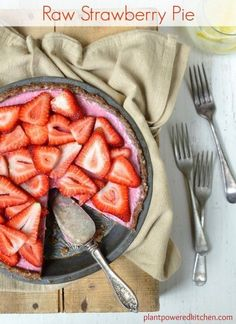 PERFECT for Canada Day and 4th of July!! Raw Strawberry Pie #vegan #glutenfree #raw www.plantpoweredkitchen.com