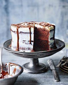 Chocolate soured cream cake Sour Cream Chocolate Cake, Decadent Chocolate Cake, Sour Cream Cake, Melting Chocolate, Chocolate Cakes, Chocolate Recipes, Decadent Cakes, Chocolate Heaven, Chocolate Fudge