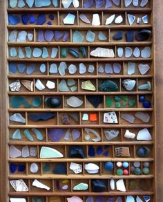 Letterpress tray sea glass specimen (what a great idea) I would love to have this to display my prettiest pcs. Letterpress tray sea glass specimen (what a great idea) I would love to have this to display my prettiest pcs. Sea Glass Beach, Sea Glass Art, Sea Glass Jewelry, Sea Glass Display, Shell Display, Glass Paint, Stained Glass, Sea Glass Crafts, Displaying Collections