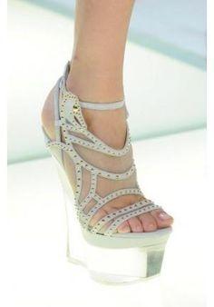 Os detalhes nos saltos dos sapatos