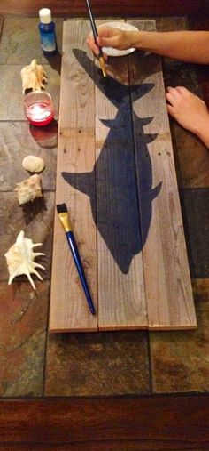 Rustic shark pallet wall art decor by SomethinCatchy on Etsy - DIY Techniques / Fine Art / Clever Crafty Crafts / Artisanal Craftsmanship Pallet Wall Art, Pallet Walls, Wood Crafts, Kids Crafts, Diy And Crafts, Rustic Wall Decor, Wall Art Decor, Bedroom Rustic, Kids Room Wall Art