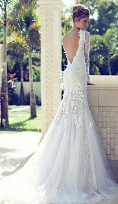 gorgeous open back flowy wedding dress