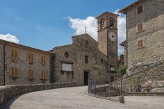 Chiesa di San Michele a #Raggiolo, in provincia di #Arezzo - #Tuscany #Italy