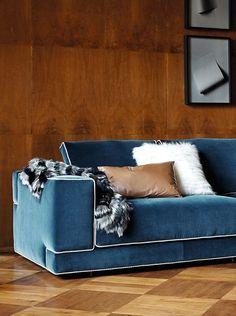 688bd5e7780f87060a521f5ee98395c1--fendi-casa-leather-pillow.jpg 735×987 Pixel