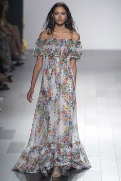 Tadashi Shoji Spring 2018 RTW: I love this floral off shoulder dress with ruffle detail! The perfect dress for spring!