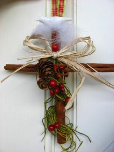 Christmas in July Cinnamon Cross Berries and Dove by merrygifts, $8.00