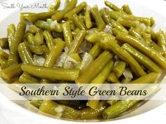 South Your Mouth: Southern Style Green Beans These were perfect, just like my grandma use to make! I added sautéed the onion and some garlic in butter then added the bacon to cook down before adding the green beans. Canned Green Bean Recipes, Cooking Fresh Green Beans, Can Green Beans, Crock Pot Green Beans, Cracker Barrel Green Beans Recipe, Crockpot Fresh Green Beans, Soul Food Green Beans, Slow Cooked Green Beans, Recipes