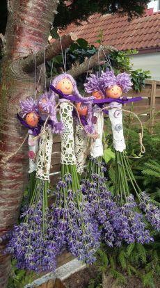 Lavender Wands, Lavender Crafts, Lavender Decor, Lavander, Garden Crafts, Garden Projects, Garden Art, Flower Crafts, Diy Flowers