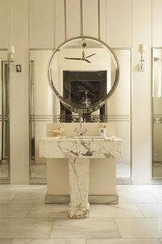 Bathroom in the Madrid home of Santiago Castillo Shower Panels, Best Interior, Bathroom Inspiration, Bathroom Decor, Interior Designers, Beautiful Bathrooms, Round Mirror Bathroom, Top Interior Designers, Bathroom Design