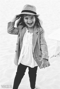 I love hats on little girls! It adds to their outfits! Great style via @deuxpardeuxKIDS
