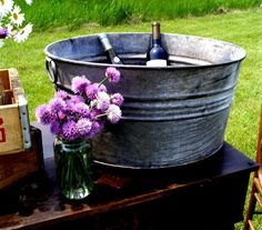 LOVE!!! Vintage washtub for a drink cooler - yes please!