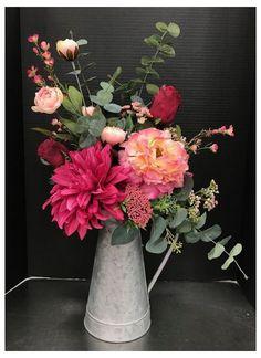 Beautiful Flower Arrangements, Silk Flowers, Spring Flowers, Beautiful Flowers, Fresh Flowers, Vase Flower Arrangements, Fresh Flower Arrangement, Beautiful Pictures, Artificial Floral Arrangements