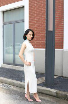 Learn About These Amazing modern korean fashion 5919 Cheongsam, Chinese Gown, Fashion Outfits, Fashion Tips, Fashion Design, Fashion Ideas, Modest Wear, Korean Model, Korean Outfits