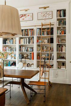 Home Interior Design — At home library – Bookshelf Decor Home Library Design, Home Design, Home Interior Design, Design Ideas, Home Library Decor, Library Room, Dream Library, Design Design, Cozy Library