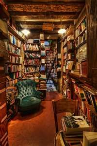 Shakespeare and Company Bookstore in Paris....this is the inside of the shop I pinned previously !!!!