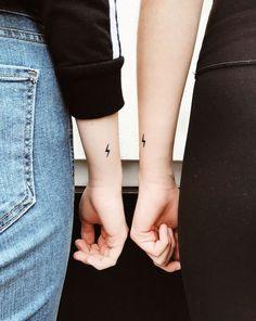 Matching Tiny Tattoos Meine Schwester und ich passen zu Harry Potter Tattoos ⚡️ Tatoos The post Passende kleine Tattoos – Diverses appeared first on Small tattoos . Disney Tattoos, Bff Tattoos, Best Friend Tattoos, Mini Tattoos, Couple Tattoos, Tatoos, Sexy Tattoos, Tattoos For Friends, Arrow Tattoos