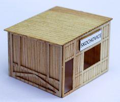 Zastávka Skochovice a dřevěná zastávka