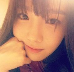 Taeyeon looks like a pretty autumn lady in recent, close-up selca Sooyoung, Yoona, Snsd, Baby G, Look Alike, Her Smile, Celebrity Gossip, Girls Generation, My Idol