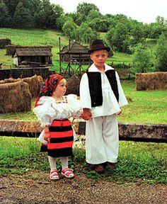 this it is the way a maramu dress pentru ce e sub 18 ani - alaturi la vecinii care ofera mai mult confort Simon Et Garfunkel, Antoine Bourdelle, Site History, Transylvania Romania, Illinois, City People, Bucharest, Historical Costume, Eastern Europe