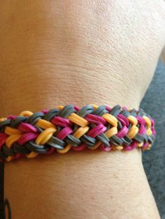 Tina Ripolone Parker. Rainbow Loom FB page. SMALL BASKET WEAVE bracelet tutorial. You tube. Please Follow and Repin!