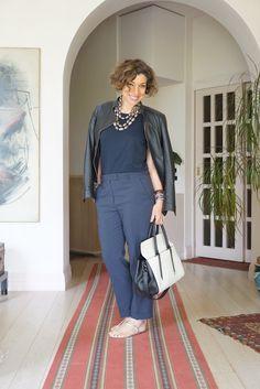 60 Fashion, Timeless Fashion, Womens Fashion, Fashion Design, Office Looks, Skirt Outfits, Fashion Stylist, Casual Wear, Lace Dress