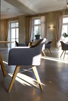 KFF YOUMA chair designed by Sven Dogs | dining | KFF YOUMA Stuhl designed Sven Dogs | Weingut Meintzinger