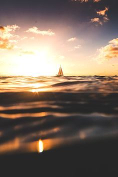 wavemotions:  Sunset Bonaire