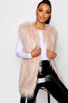 100 Best Fur images in 2019   Fall winter, Fur fashion, Ladies fashion bea18f80b0