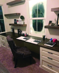 Rustic Roots : custom made built-in desk and floating shelves . Perfect got a small office Custom Computer Desk, Computer Gaming Room, Furniture Making, Office Furniture, Comfortable Office Chair, Rustic Floating Shelves, Living Room Update, Built In Desk, Desk With Drawers